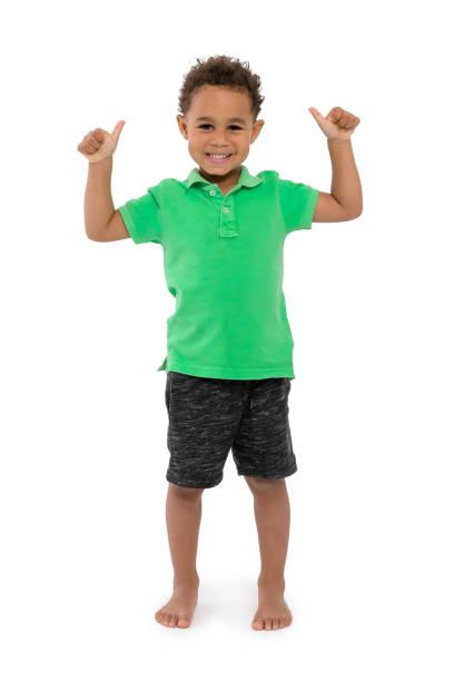 Ein glückliches Junge Kind weißen Hintergrund – Foto