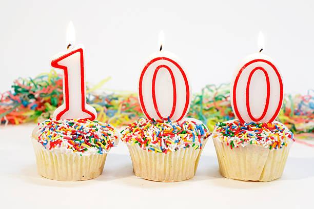 hundert party kuchen - nummer 100 stock-fotos und bilder