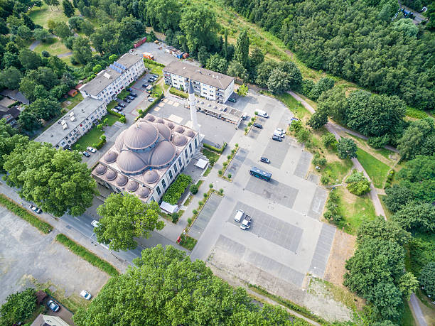 one of the biggest mosques in germany - moschee duisburg stock-fotos und bilder