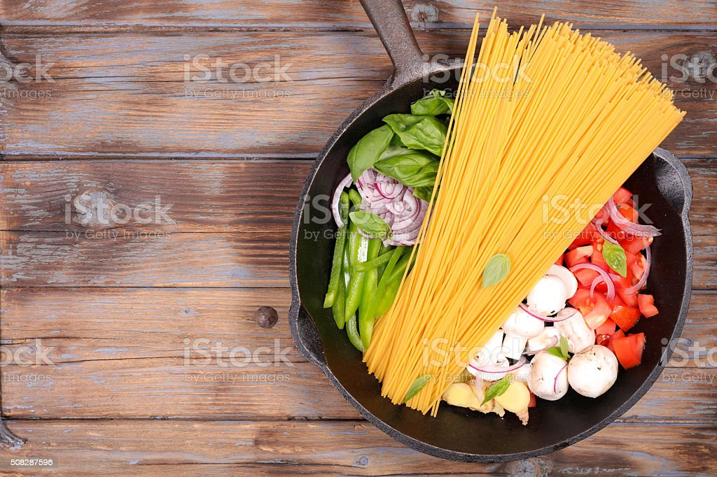one pot pasta stock photo