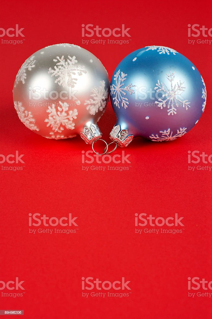 One white and blue Christmas ball royaltyfri bildbanksbilder