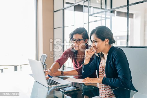 istock One-to-one business meeting 869437538