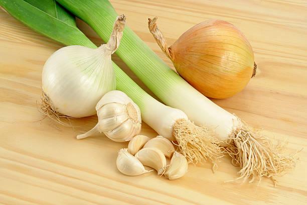 alliacee verdure - aglio alliacee foto e immagini stock