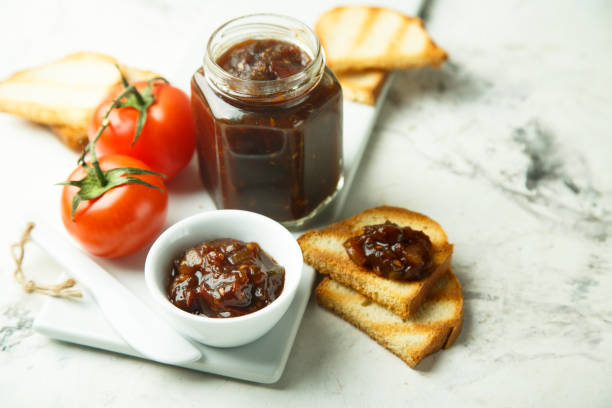 onion jam - confiture tomatoes imagens e fotografias de stock