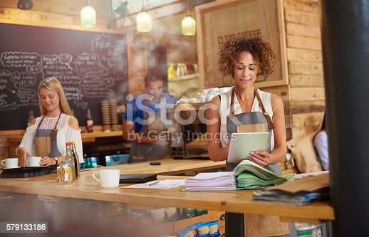 istock online accountancy helps me thrive 579133186