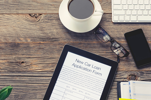 istock Online car loan application form 937103540