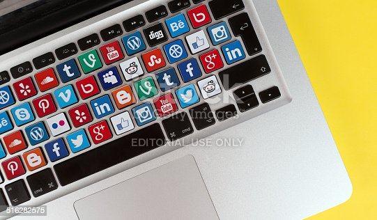 istock Online Communication Concept - Social Media Buttons 516282575