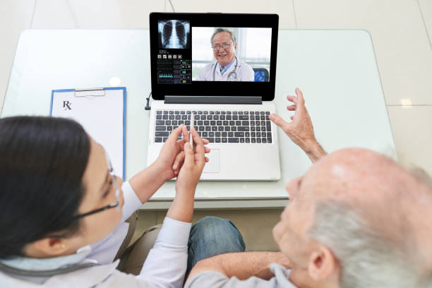 online consultation - telemedicine stock pictures, royalty-free photos & images
