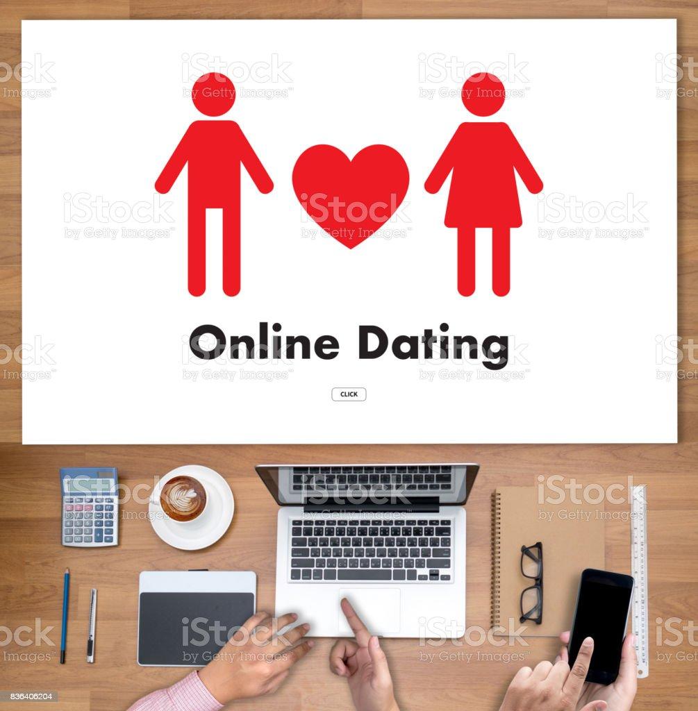 le bureau Internet datant 18 ans homme datant de 21 ans femelle