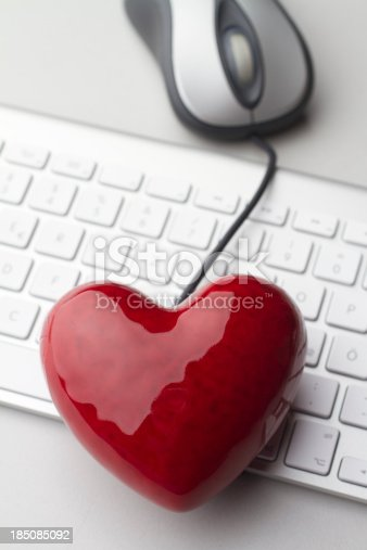 istock Online Dating 185085092