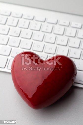 istock Online Dating 185085260