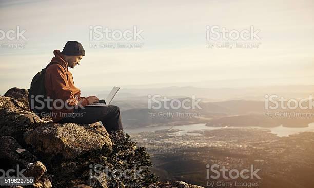 Online in the open air picture id519622750?b=1&k=6&m=519622750&s=612x612&h=fknkpczawm9utfjchixwwsr bne2jcoljjn4acicwds=