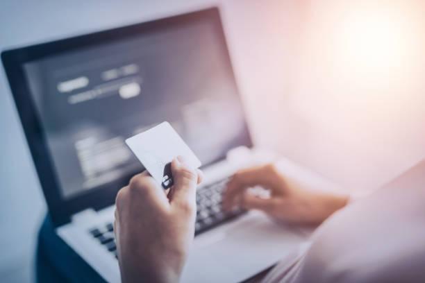 online-zahlung und shopping-konzepte. - onlinebanking stock-fotos und bilder