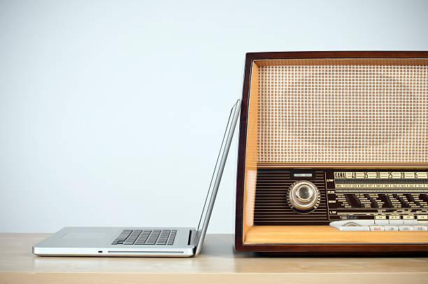 Konzept des online-radio – Foto