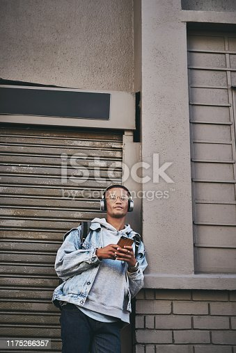 1165318420istockphoto Online relationships really work for me 1175266357