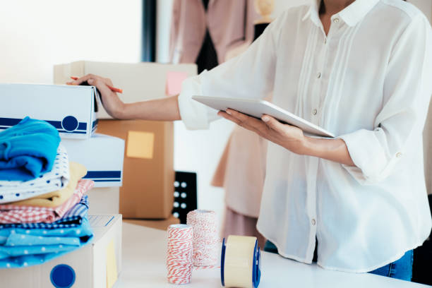Online-Verkäufer Eigentümer. Online-shopping. – Foto