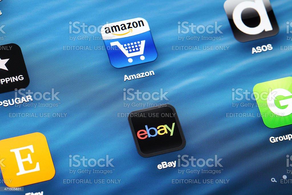 shopping Online app su dispositivi mobili - Foto stock royalty-free di Affari finanza e industria