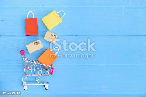 istock Online shopping / e-commerce and customer experience concept 1217719745
