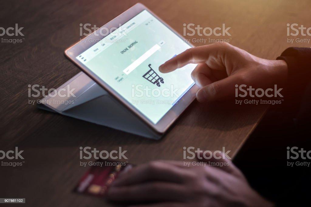 Achats en ligne sur Tablet PC - Photo