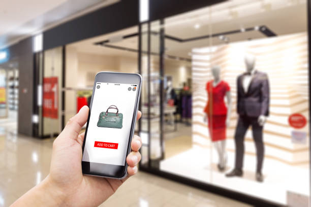 online shopping with modern fashion shop - online shopping imagens e fotografias de stock