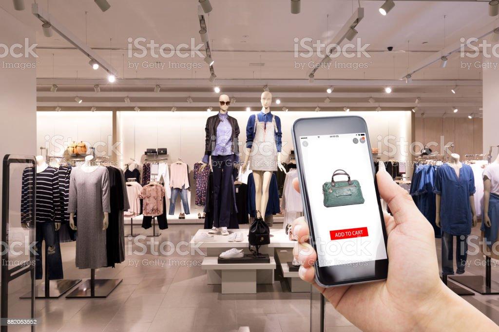Online-shopping mit modernen Mode shop – Foto