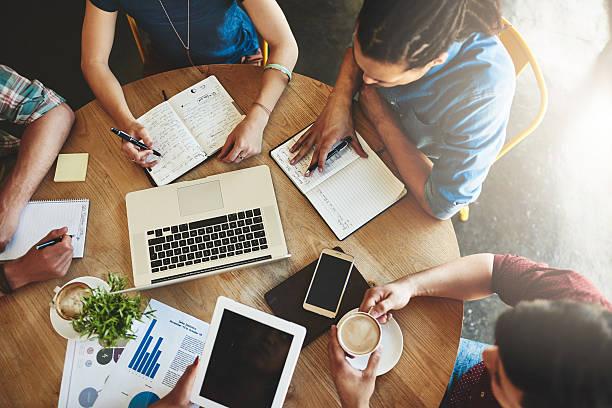 online study resources can make your life so much easier - einen gefallen tun stock-fotos und bilder