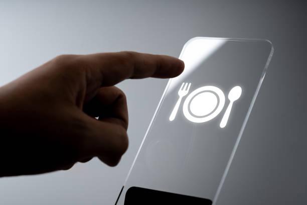 Online Travel & Restaurant Icon Anwendung auf dem Smartphone – Foto