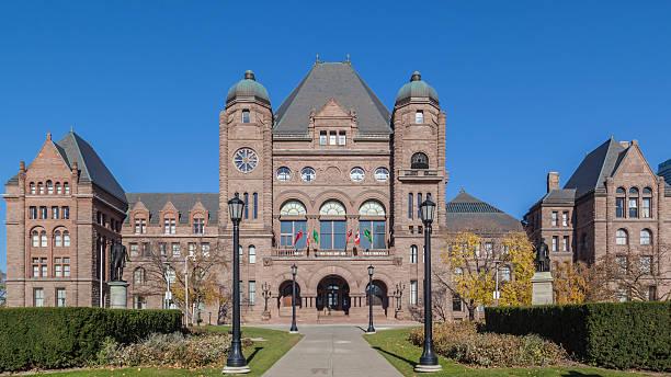ontario legislative building at queen's park, toronto, canada - 토론토 온타리오 뉴스 사진 이미지