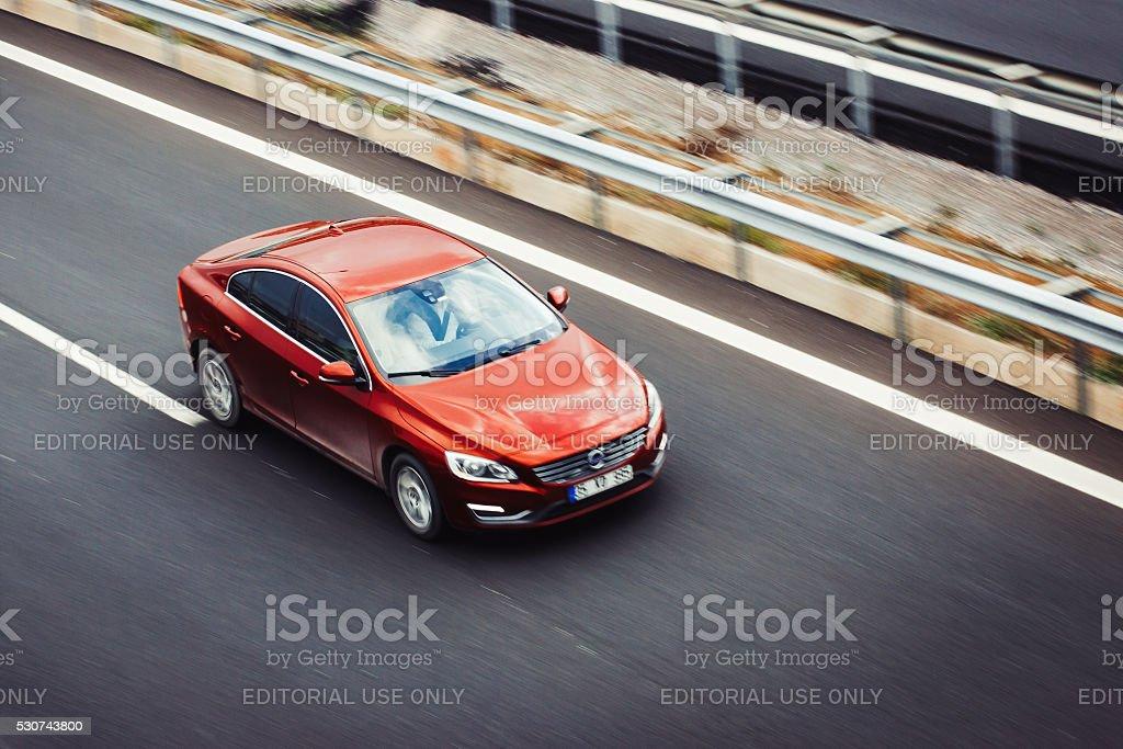 Opel Volvo S60 - Royaltyfri Asfalt Bildbanksbilder
