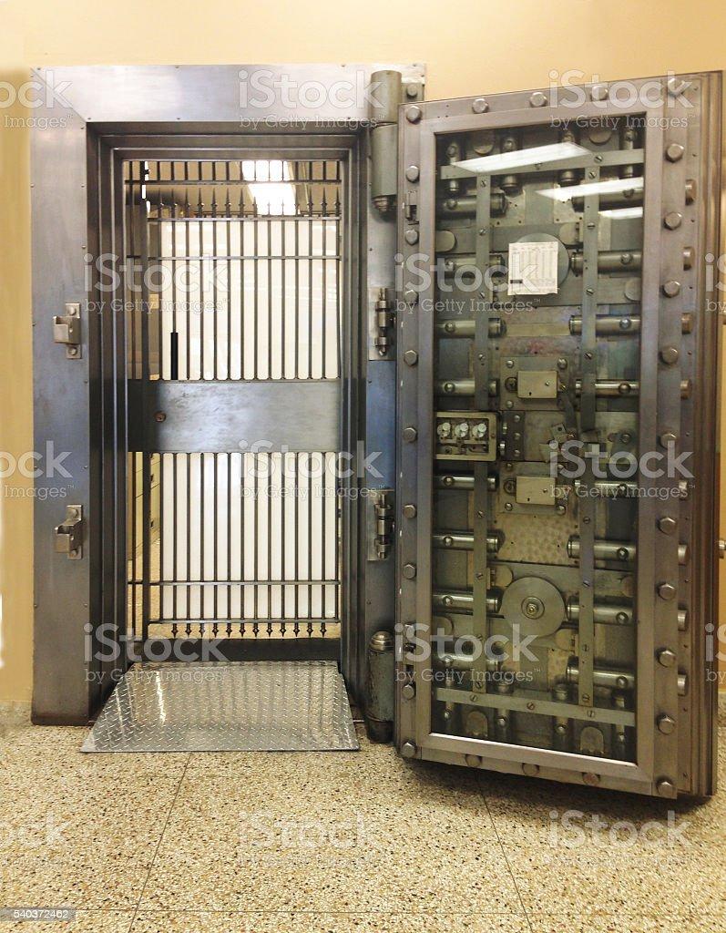 Photo de stock de Ouvrez La Porte De Chambre Forte De La Banque ...