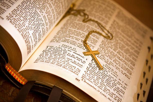 offene bibel psaltery 23 - psalm stock-fotos und bilder
