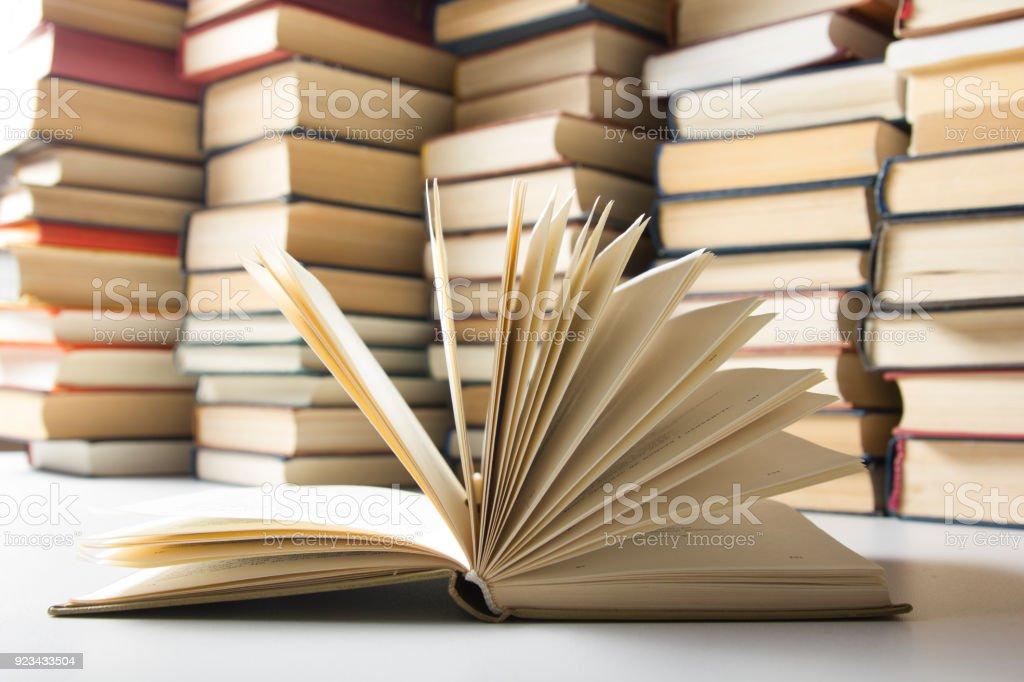 Photo Libre De Droit De Livre Ouvert Les Livres Cartonnes