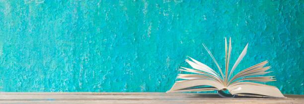 Offenes Buch, Panorama, lesen, Bildung, Literatur-Konzept – Foto