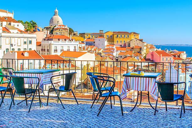 otwórz café tarrace w lizbonie - lizbona zdjęcia i obrazy z banku zdjęć
