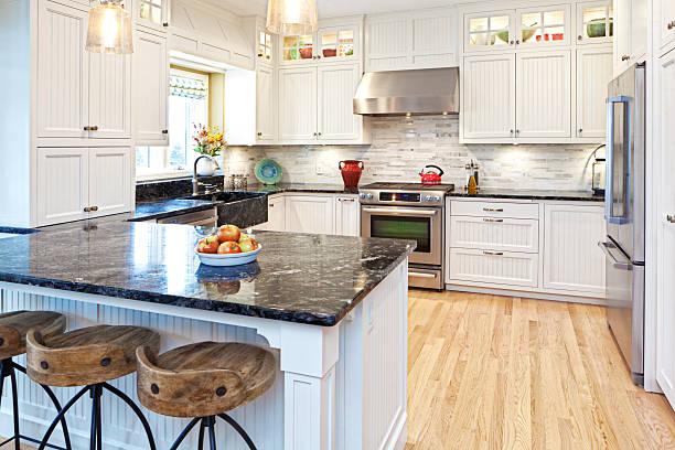 offenes home kitchen renovierungsarbeiten zur verbesserung und erweiterung der innenausstattung - küche neu gestalten ideen stock-fotos und bilder