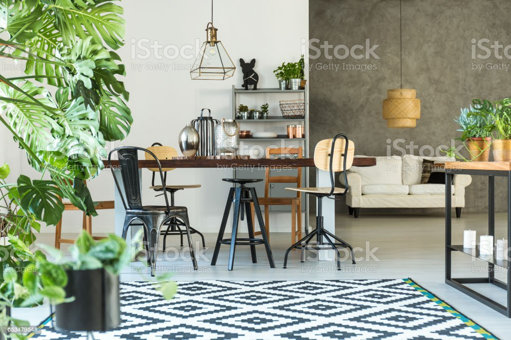 Open dining room with table – Foto