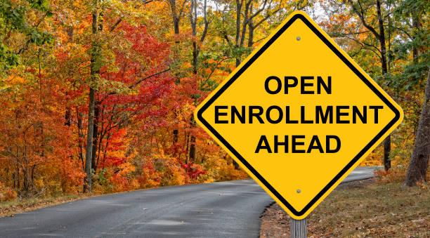 open enrollment vorsicht zeichen - offen allgemeine beschaffenheit stock-fotos und bilder