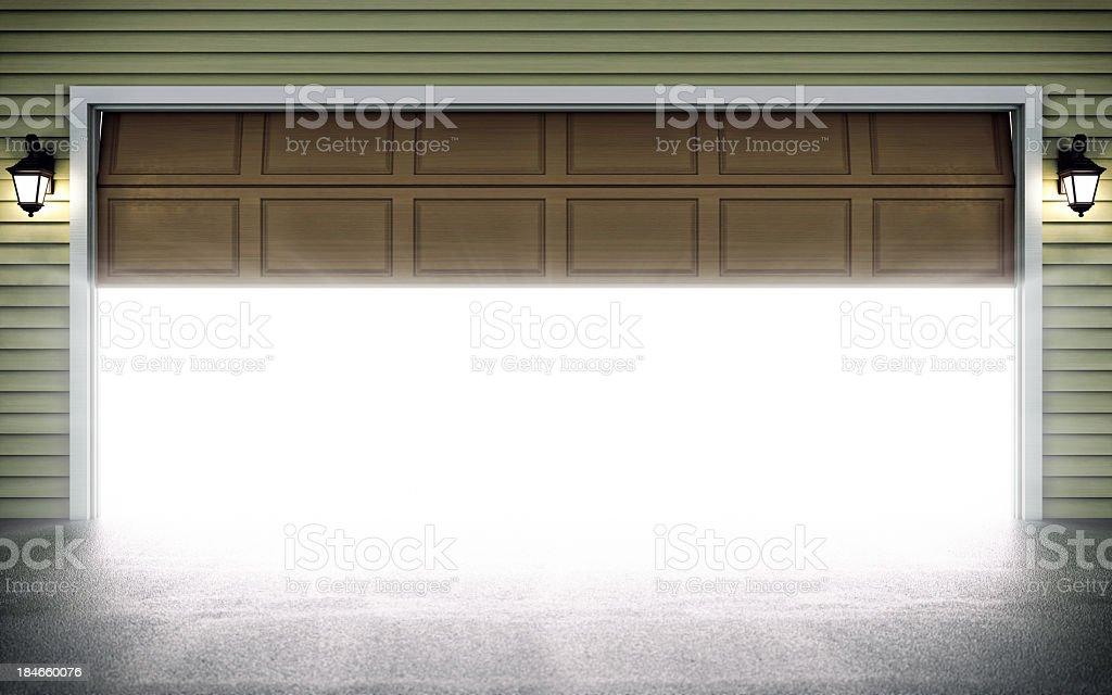 Abertura de porta da garagem - foto de acervo