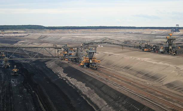 tagebau welzow-süd - aerial view soil germany stock-fotos und bilder