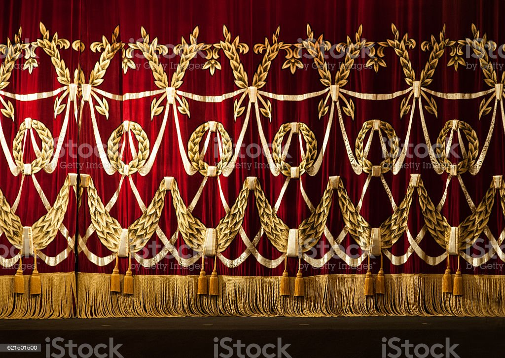Open red curtains with glitter opera or theater background foto stock royalty-free