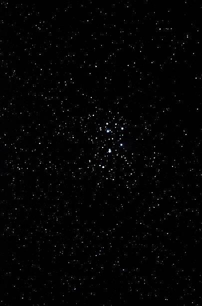 offene stars cluster - sternhaufen stock-fotos und bilder