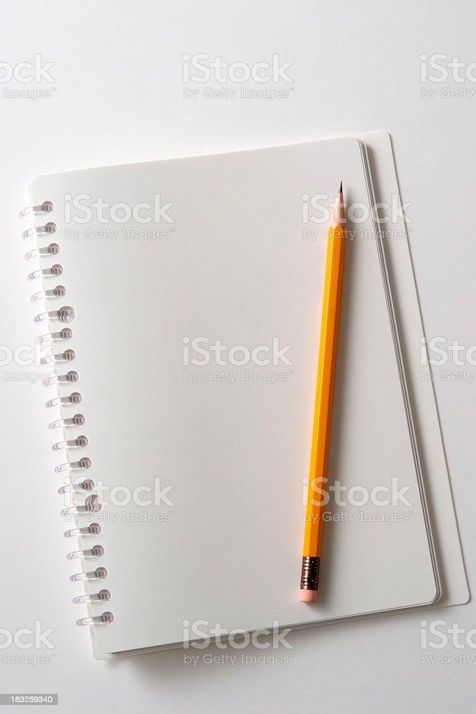 Leere Spiralblock und Bleistift – Foto