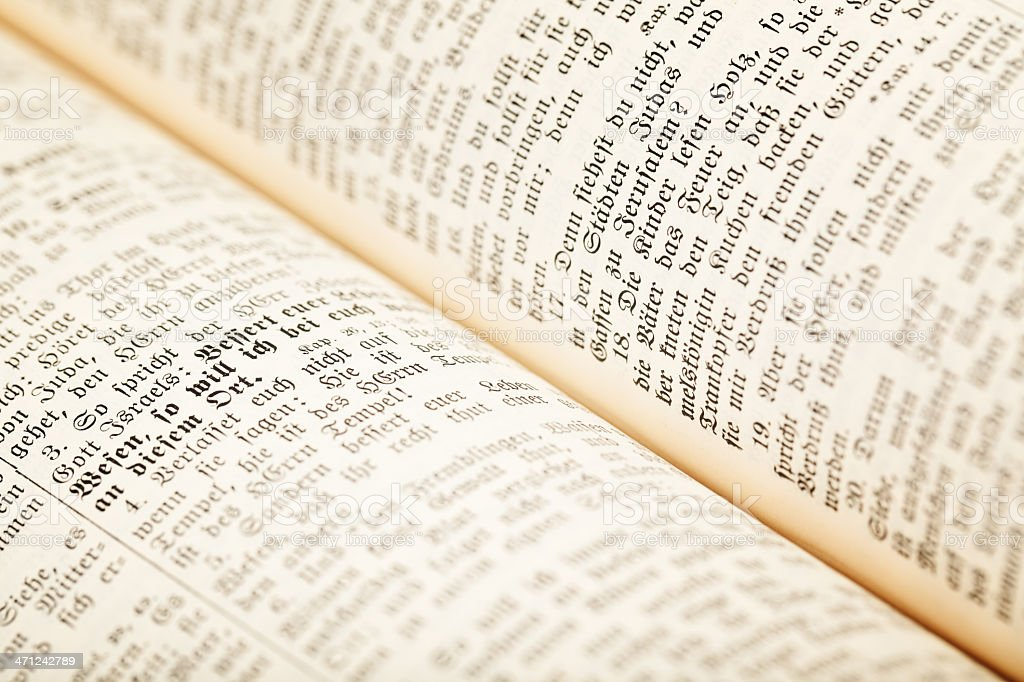 Abrir libro (Holy Biblia - foto de stock