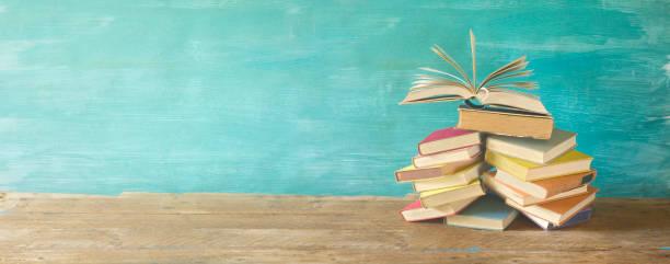 aufgeschlagenes Buch, Panorama, lesen, Bildung, Literatur-Konzept – Foto