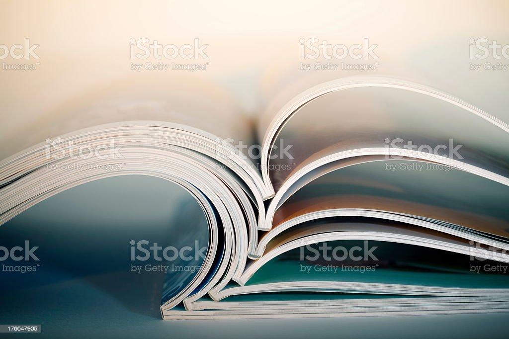 Inaugurado revistas - Foto de stock de Abierto libre de derechos
