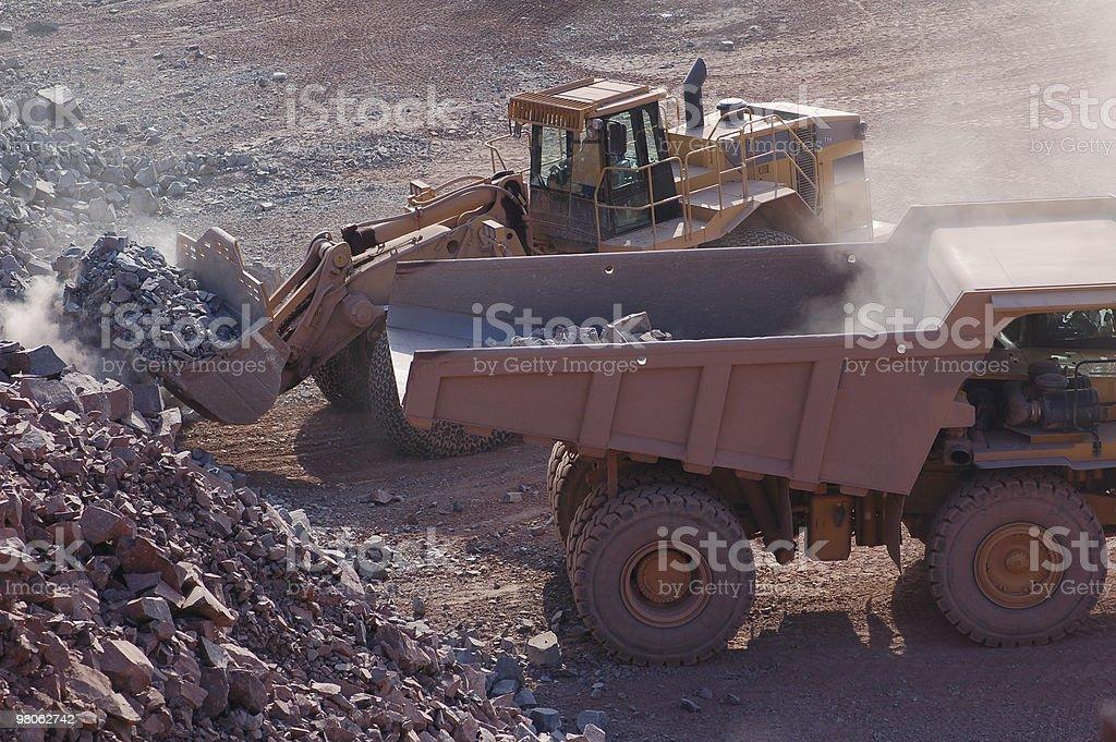 개발형 광산, 지구별 이삿짐 옮기는 사람 및 수거장 배달차 royalty-free 스톡 사진