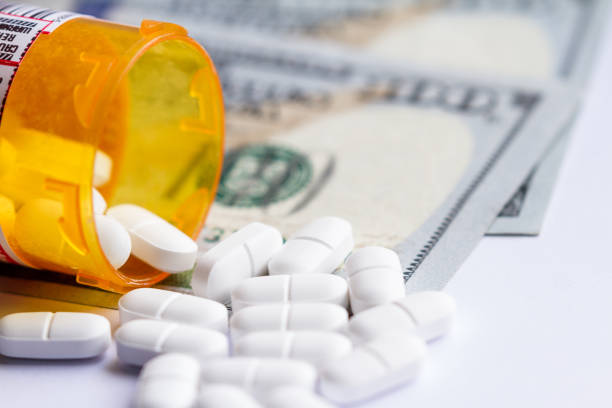 opioid pain killers - recreational drug stock pictures, royalty-free photos & images
