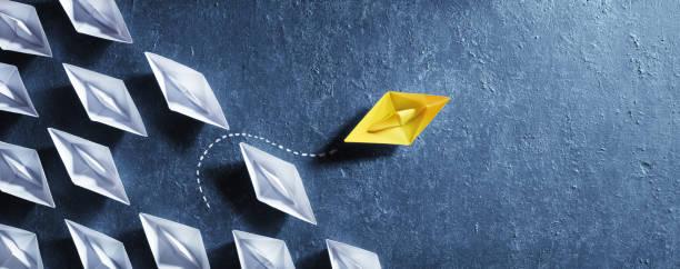 Opportunities Business Concept - Papierboot-Wechselrichtung – Foto