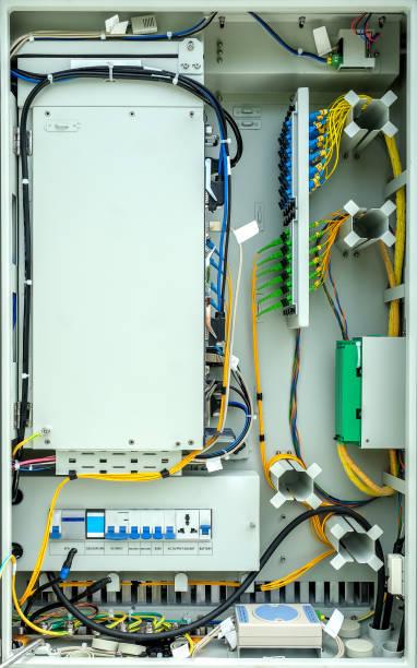 optische leitungsbuchse, fiber optic schrank für high speed-internet. - telefonschrank stock-fotos und bilder