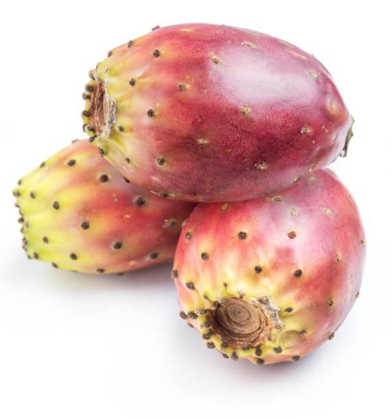 opuntia obst oder stachelige birnenfrucht. - kaktusfrucht stock-fotos und bilder